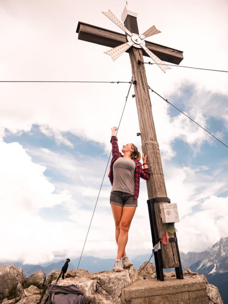 https://diesemary.de/wp-content/uploads/2019/08/Tirol-daniel-bergwanderung-österreich-diesemary-stuttgart-fitness-wanderlust-gipfel-fitnessblogger-32.jpg