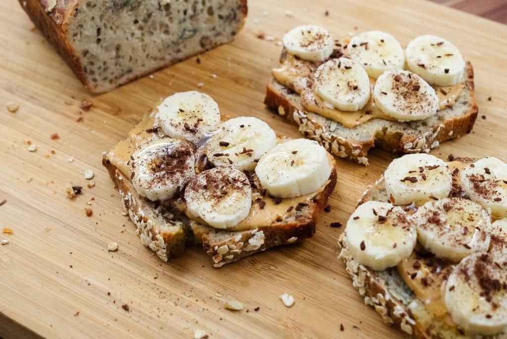 Rezept-Dinkelbrot-Dinkel-koerner-brot-erdnussmus-banane-bananenbrot-gesundes-brot-stuttgart-tuebingen